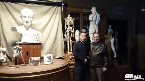 与列宾美院解剖教授马那什罗夫在课堂